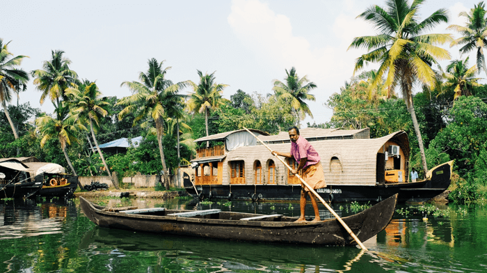 The Backwaters of Kerala - extend your visit to the Quilt Festival in India 2023