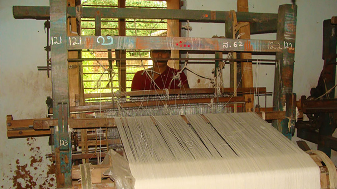 Traditonal weaving in Chendamangalam